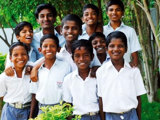 Das Lächeln, das Du aussendest, kehrt zu Dir zurück. (indisches Sprichwort)